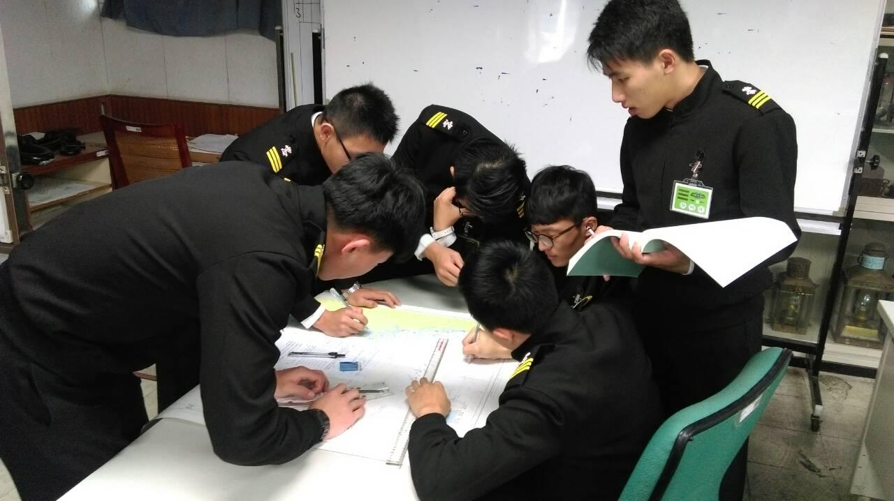 官校生活的課業討論